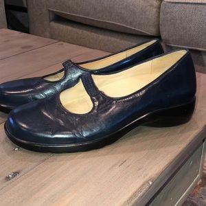 Nurture Elastic Band Mary Jane Shoes Sz 7.5 Navy